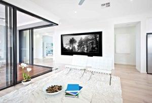 Sliding doors with open corner interior design